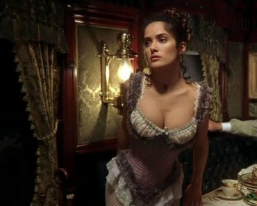 Salma Hayek Sexiest Pictures #1