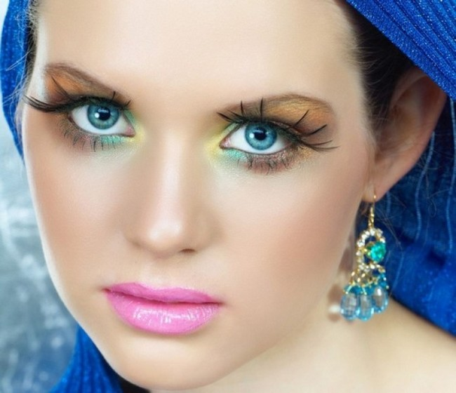 Blue Eyes Makeup Ideas That Will Make Your Blue Eyes Look Electric (7 Pics)