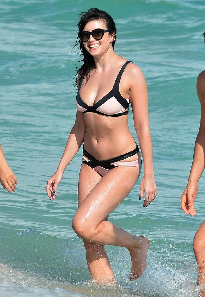 Daisy Lowe Bikini Photos in Miami Beach Daisy Lowe Bikini Photos in Miami Beach
