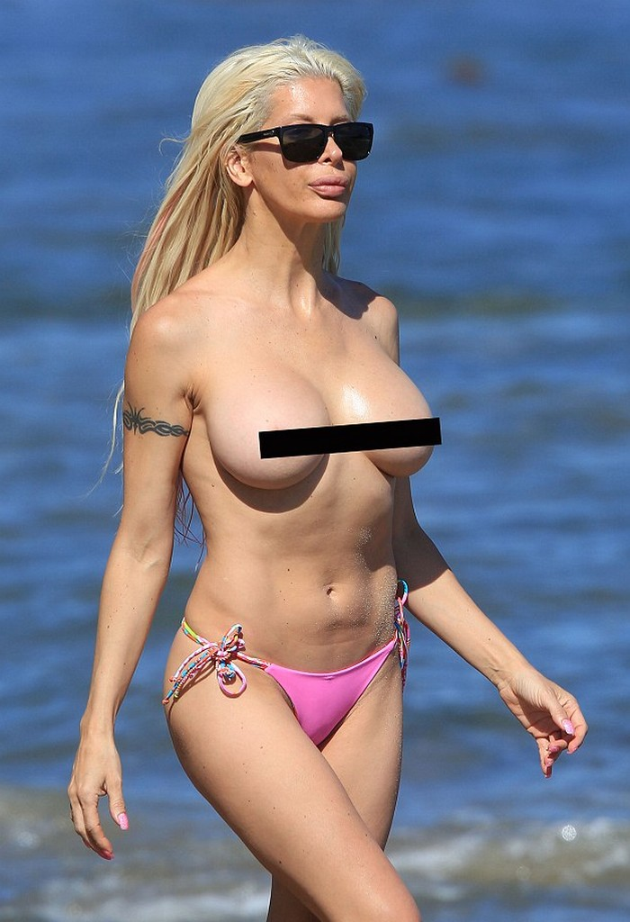 Frenchy Morgan Angelique Frenchy Morgan Topless Bikini Pictures Are Signs of a Fast Rising Star (9 Photos)
