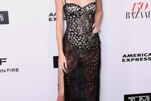 Kendall Jenner Dress Malfunction at Harper's Bazaar event