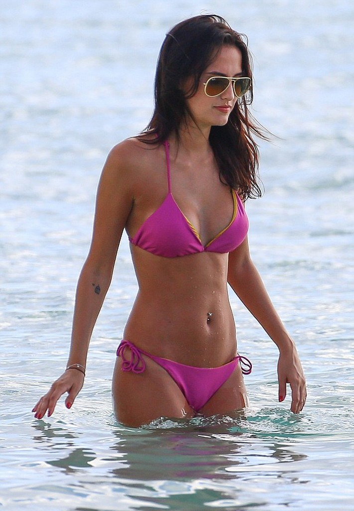 Lucy Watson Lucy Watson Shows Off Her Hot Bikini Body On The Beach In Barbados (16 Pics)