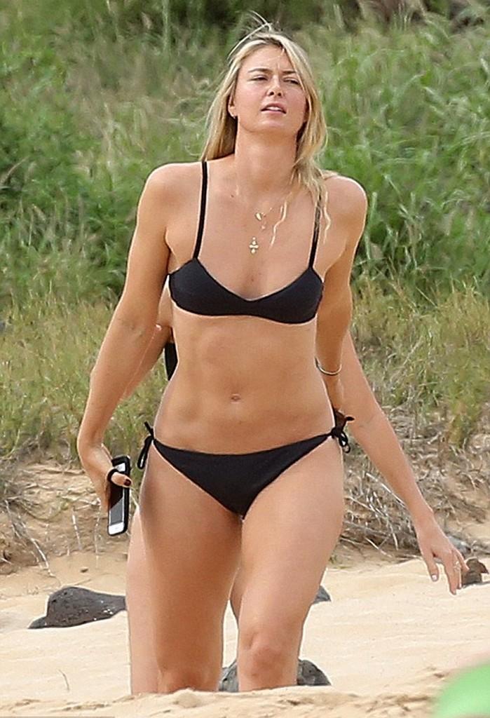 Maria Sharapova Black Bikini Booty workout In Hawaii 1 Maria Sharapova Black Bikini Booty workout In Hawaii