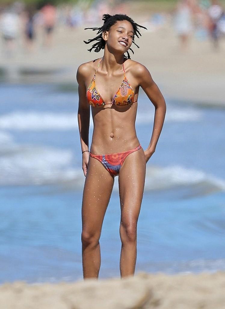 Willow Smith Willow Smith in Bikini Teen Phenom at beach in Hawaii (10 Pics)