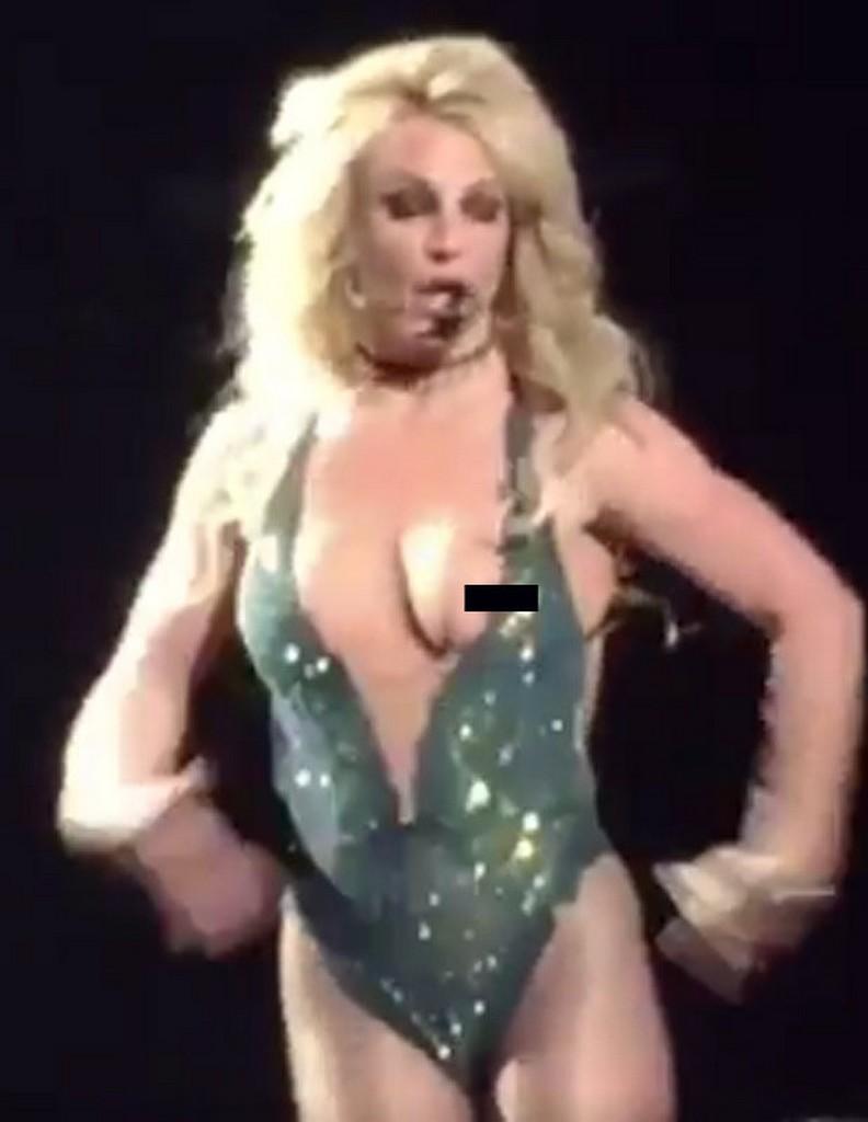 Britney Spears Britney Spears Suffers Nip Slip Wardrobe Malfunction on Vegas Stage (4 Pics)