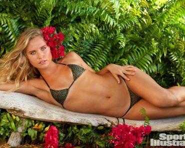 Christie Brinkley SI swimsuit 2017