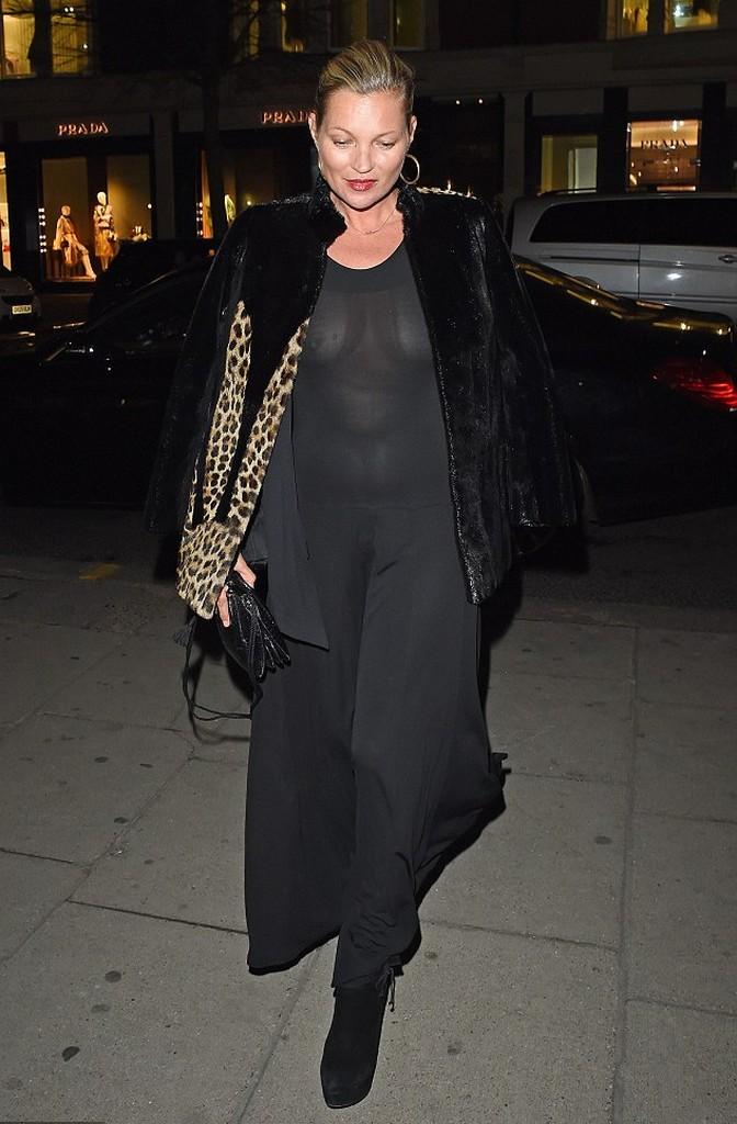 Kate Moss 1 Kate Moss Refuse To Wear Bra For Knightsbridge Dinner (6 Pics)
