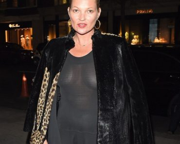 Kate Moss braless