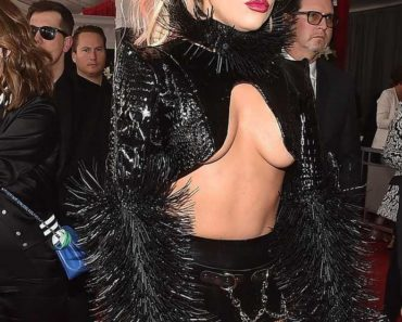 Lady Gaga Grammy wardrobe malfunction