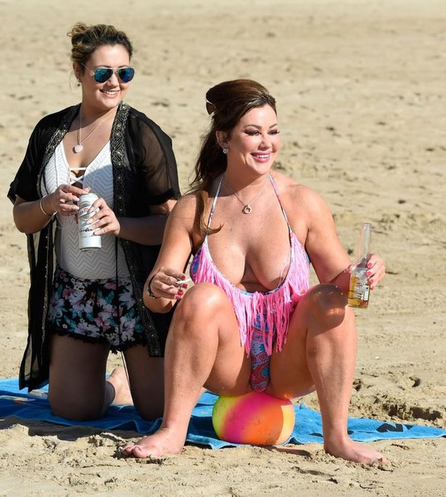 Lisa Appleton Nude Bikini Nip Slip in Swimsuit - Photos - TWB