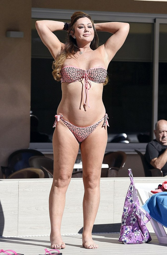 Lisa Appleton 7 Lisa Appleton Heats Up Mexico In Bikini