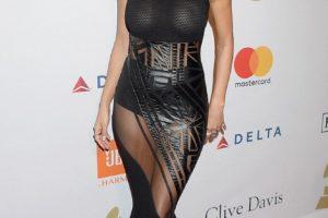 Nicole Scherzinger shows nipples
