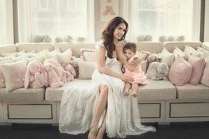 Tamara Ecclestone Daughter Breastfeeding