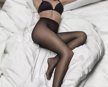 Emily Ratajkowski - DKNY Bra and underwear