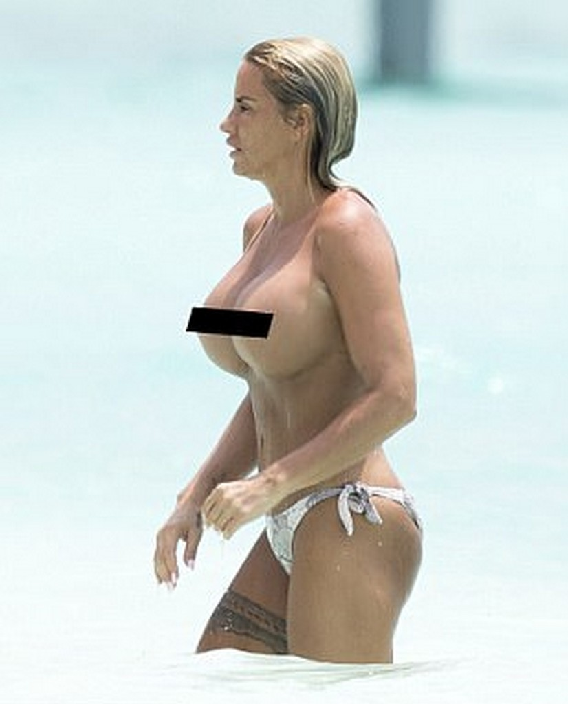 Katie Price topless on beach Katie Price Topless Beach Pictures (8 Pics)