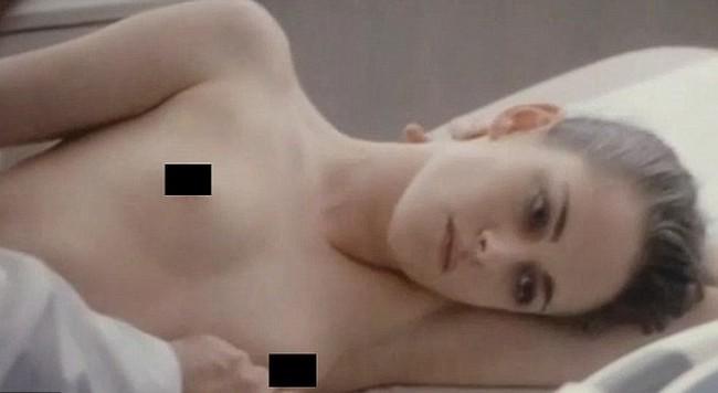 Kristen Stewart 6 Kristen Stewart Goes Topless In Personal Shopper Movie Scenes (7 Pics)
