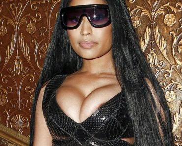 Nicki Minaj Nip Slip at Paris Fashion Week