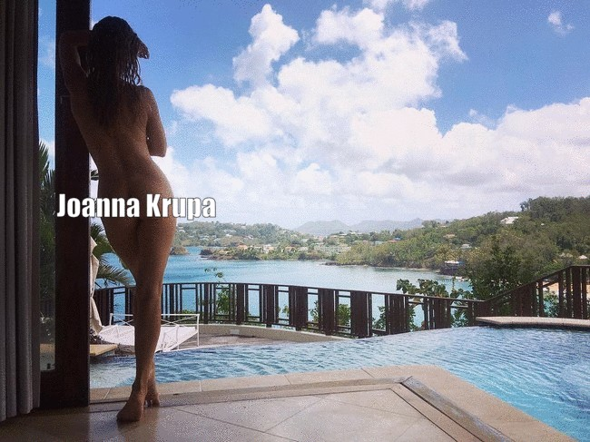 Joanna Krupa bum photo Joanna Krupa Sexy Butt Photo, Enjoys The View (3 Pics)