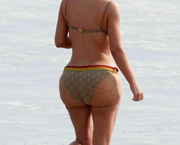 Kim Kardashian Bikini Butt