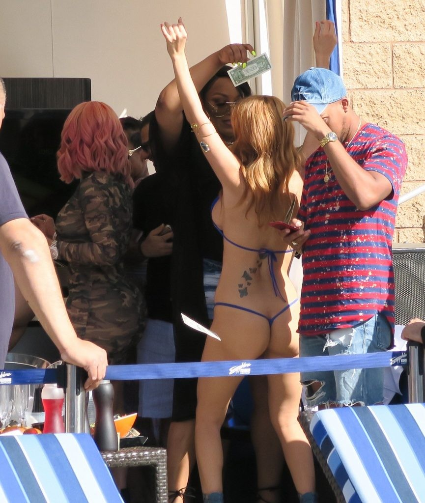 Blac Chyna and Alexis Texas Pool Party in Las Vegas Blac Chyna Playing With Pornstar Alexis Texas Boobs And Ass (8 Pics)