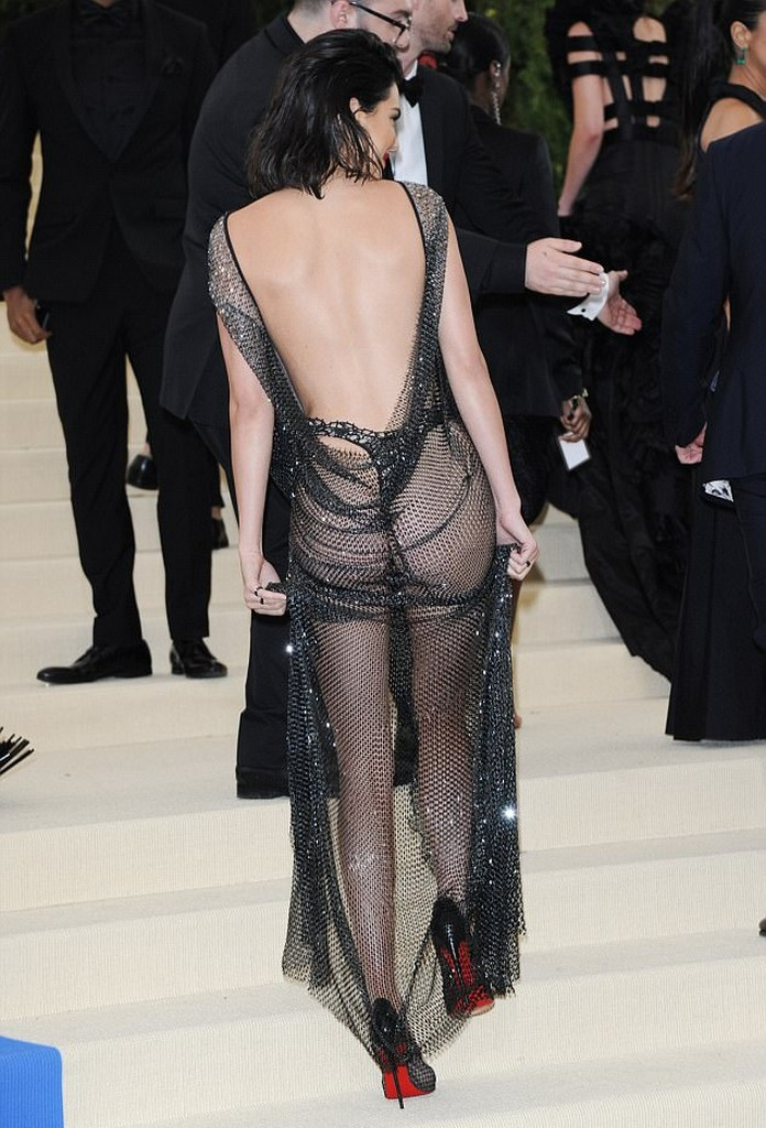 Kendall Jenner Ass Pics Kendall Jenner Shows Amazing Ass In See Through Sheer Dress (7 Pics)
