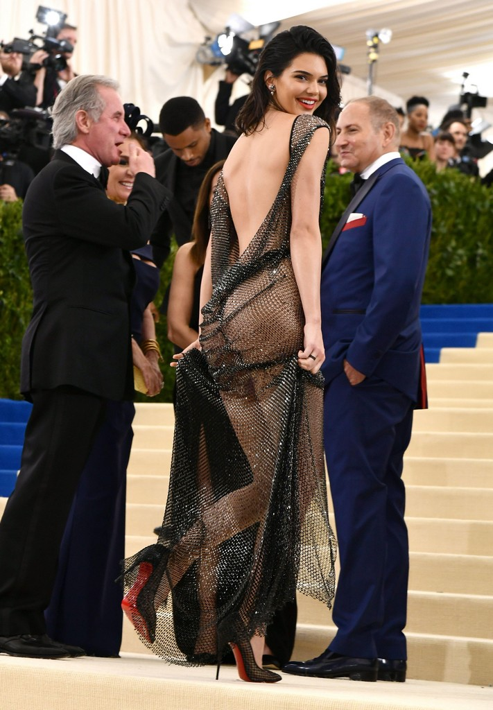 Kendall Jenner Shows Ass In See Through Sheer Dress Kendall Jenner Shows Amazing Ass In See Through Sheer Dress (7 Pics)