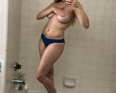 Erika Jordan Topless Nude Selfie