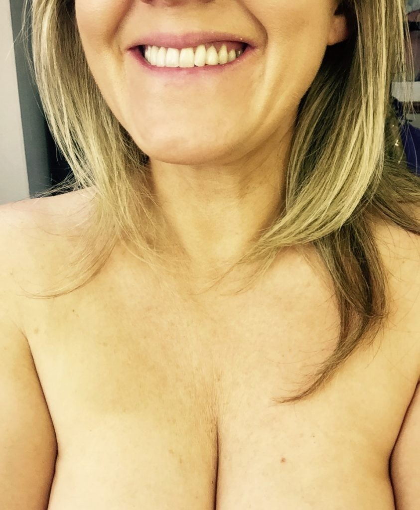 Sally Lindsay Leaked Nude Photos Sally Lindsay Leaked Nude Photos Online (5 Photos)