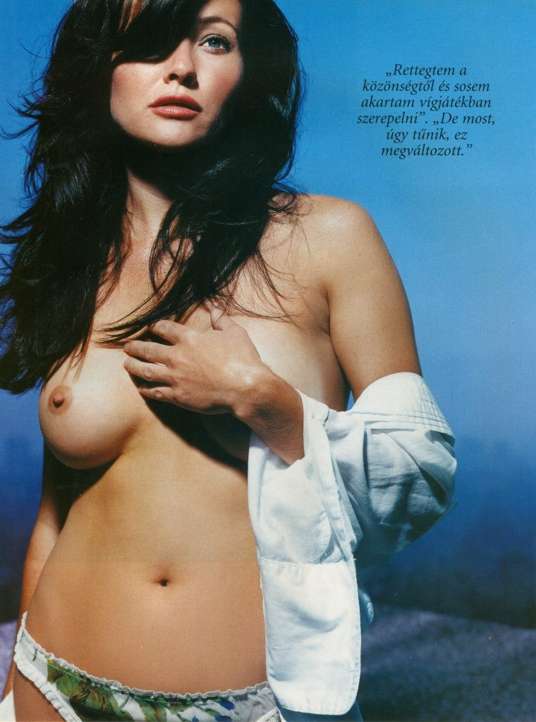 Shannen Doherty topless Shannen Doherty Nude Photos (8 Photos)