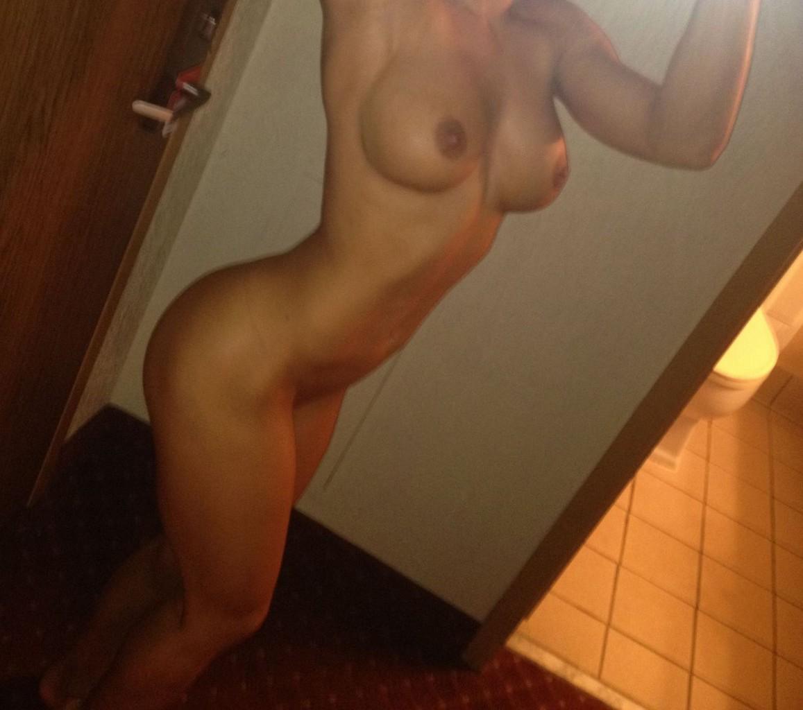Brooke Adams Leaked Nude Photos Brooke Adams Leaked Nude Photos Online (2 Photos)