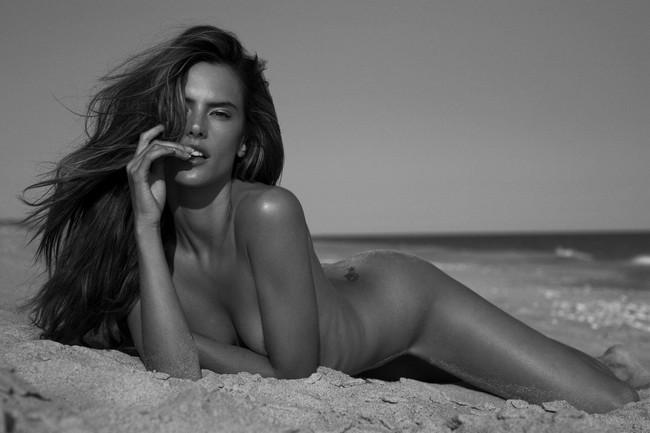 Alessandra Ambrosio Nude Photoshoot 2 Alessandra Ambrosio Nude Photoshoot (11 Photos)