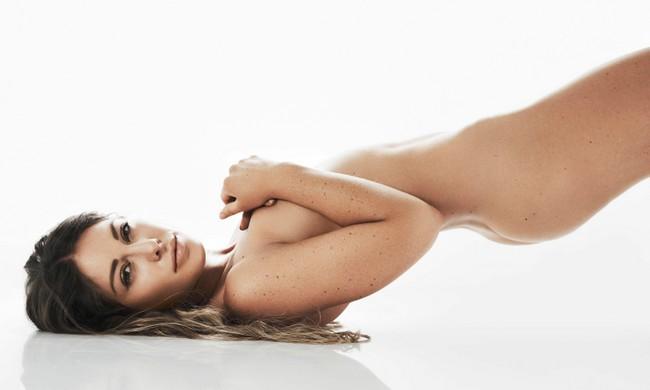 Louise Thompson Naked Photoshoot 3 Louise Thompson Naked Photoshoot (5 Photos)
