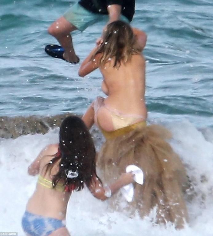 Kate Upton Topless Photoshoot Kate Upton SI Topless Photoshoot (7 Photos)