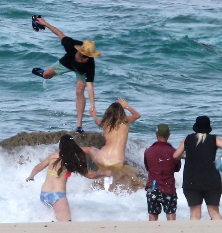 Kate Upton Topless Swimsuit Kate Upton SI Topless Photoshoot (7 Photos)